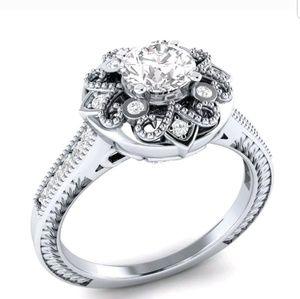 gorgeous round cut white sapphire 925 silver ring